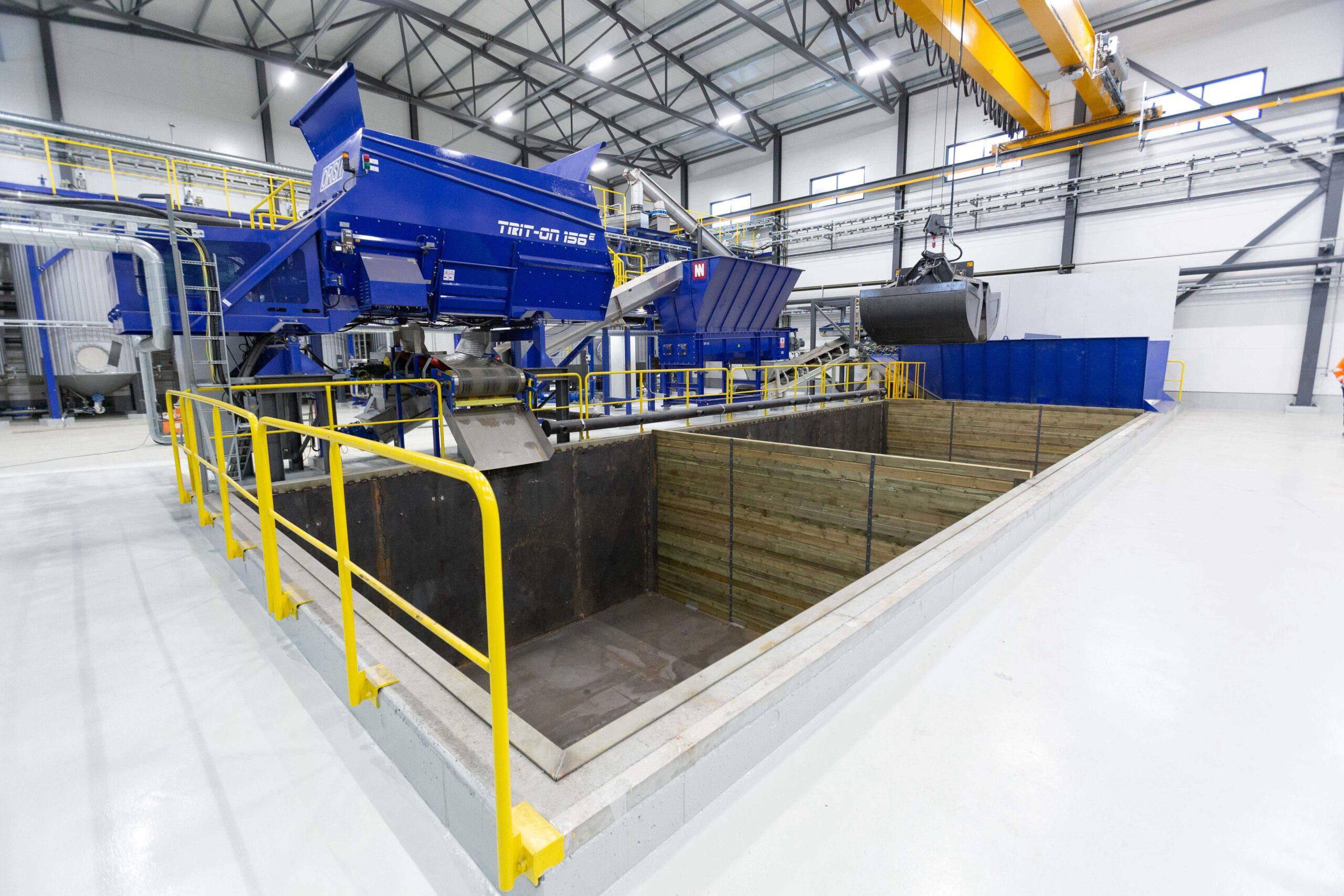 Pirkanmaan Jätehuollon Biomyllyn tuotantolinja, jossa käsitellään biojätteitä.